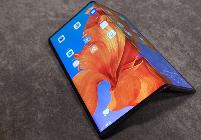 Samsung's New Galaxy Z Flip is Leading the Return of Foldable Phones 5